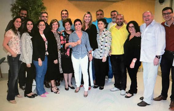 A deputada federal Cristiane Brasil com a direção. e a coordenação do Isecensa