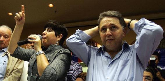O casal Garotinho responde à graves acusações na Chequinho