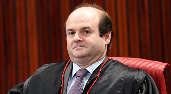 Ministro Tarcisio Vieira do TSE
