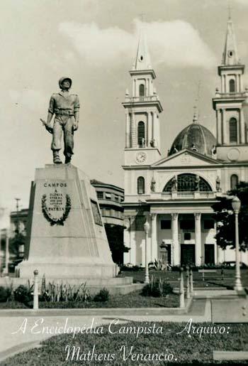 estatua-soldado (1)-xxx