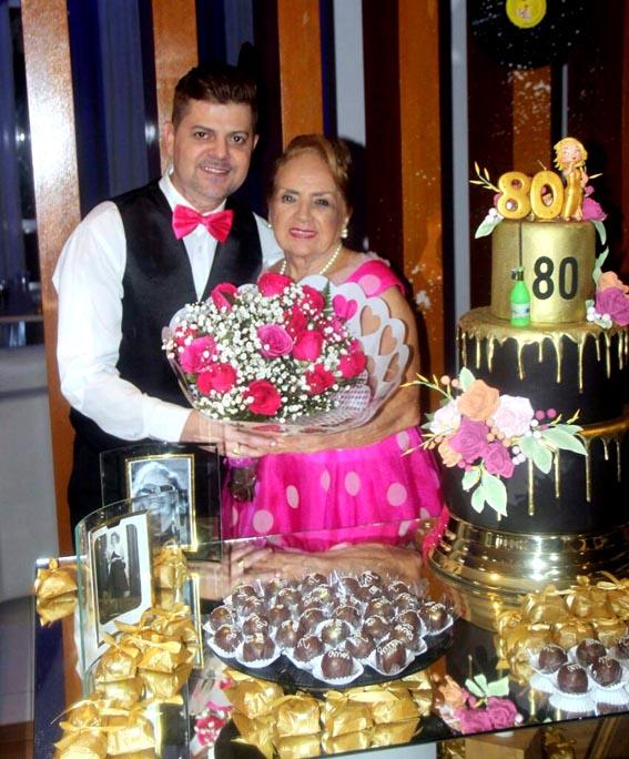Nelly Siqueira  e o sobrinho Alex Siqueira