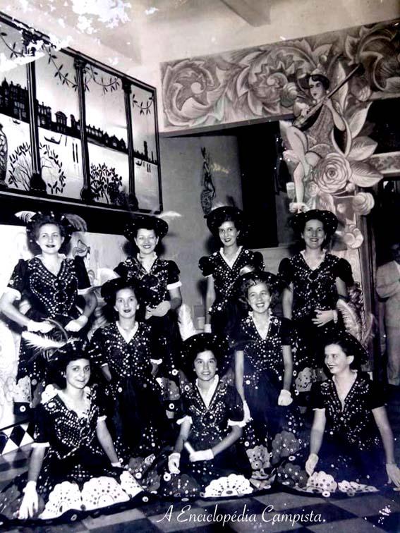 E os famosos bailes de carnaval do Saldanha, com Neuza Venancio, Thereza Venancio, Nely Venancio,Alcídia e Rosinha Perez Pia, Amarise Tavares, Reuza Soares