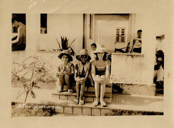 Como era o verão em Atafona, em ruas e casas que ficaram na memória de muitos e na história de outros