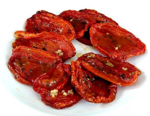 O tomate seco complementa diversas receitas