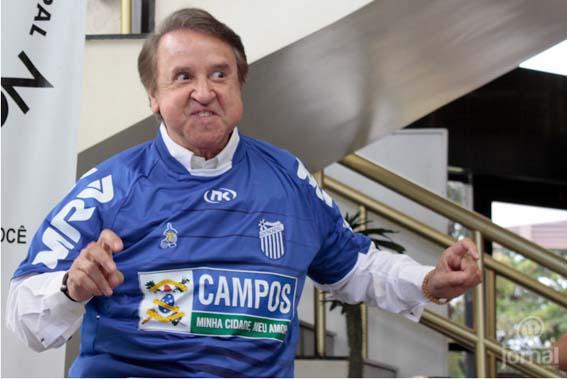 A camisa do azulão chegou a ser vestida, inclusive, pelo ator Carlos Villagrán, o Kiko do seriado mexicano Chaves