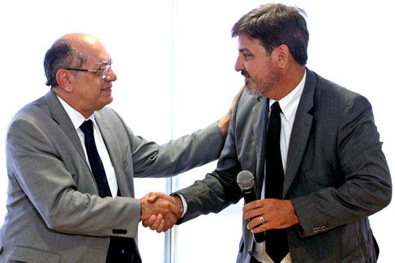 Ministro Gilmar Mendes e o Dr. Fernando Segóvia, diretor-geral da Polícia Federal, durante assinatura de acordo entre o TSE e a PF. Brasília-DF, 16/11/2017 Foto: Roberto Jayme/Ascom/TSE