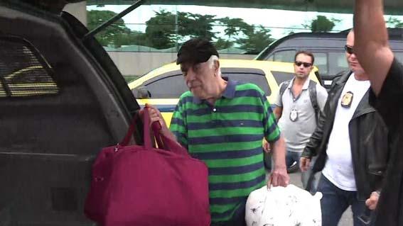 O presidente Nacional do PR Antônio Carlos Rodrigues sendo preso